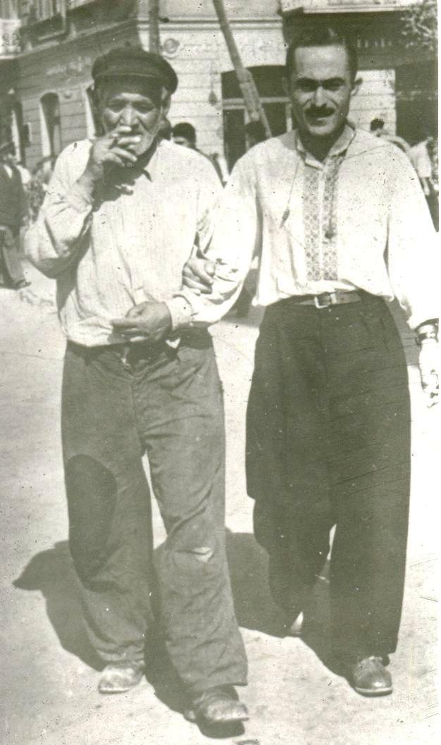 Կարաբալան՝ նույն ինքը Ստեփան Հարությունյանը (աջից)