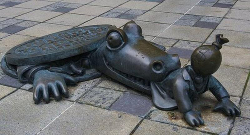 Կոկորդիլոսը փորձում է ուտել կապիտալիստին, ԱՄՆ, Նյու Յորք